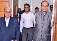 Undated photo of Silf president Lalit Bhasin with cabinet minister Arun Jaitley
