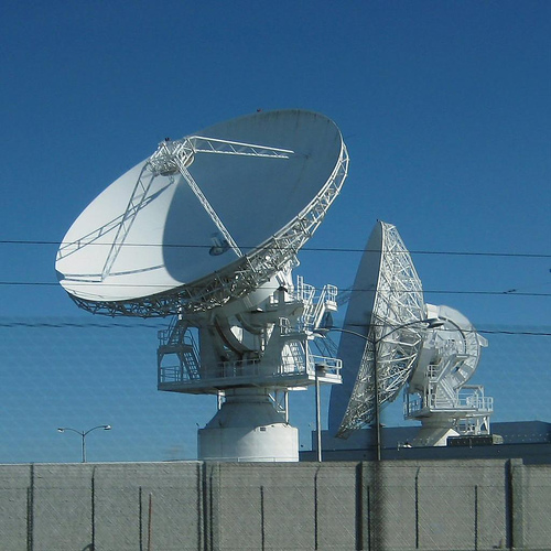 satellite-dishes_by-Velo_Steve