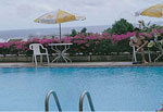 Mahindra_hols_pool_th