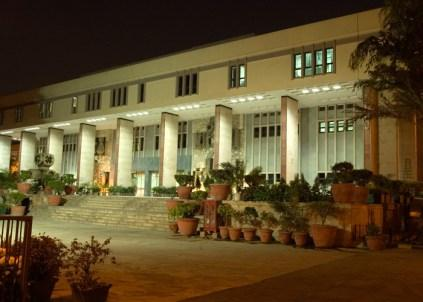 Delhi high court retires DC judge early