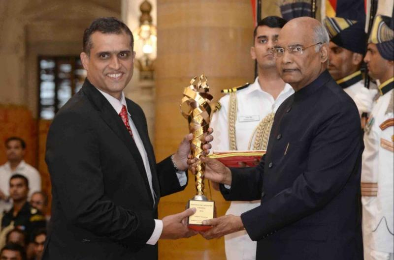 Nandan Kamath accepts gov't sports promotion prize